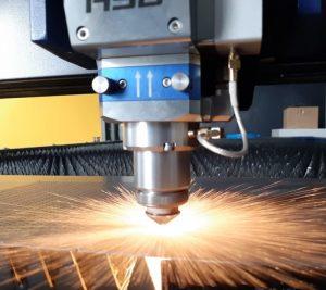 laser cutting plat besi